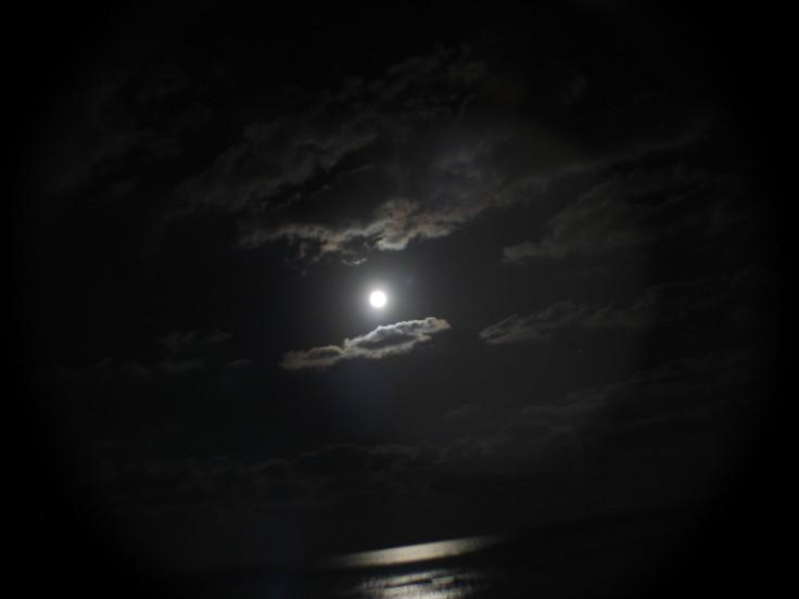 moon_swing_07