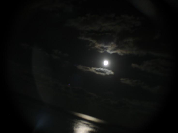 moon_swing_10